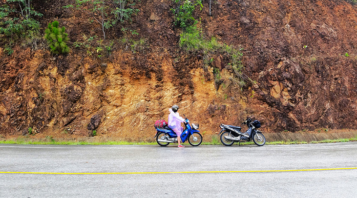 A Crash and a Cobra: Motorbiking the Mae Hong Son Loop - Cohica Travel